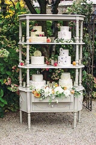 Cakes display