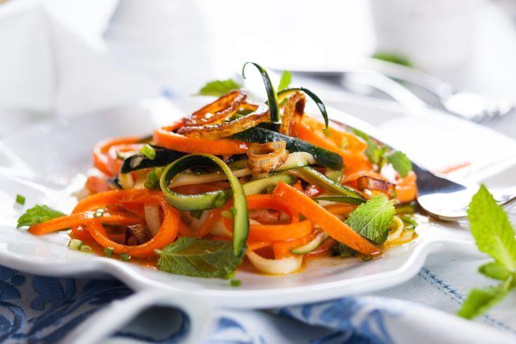 Cuketový šalát s mrkvou