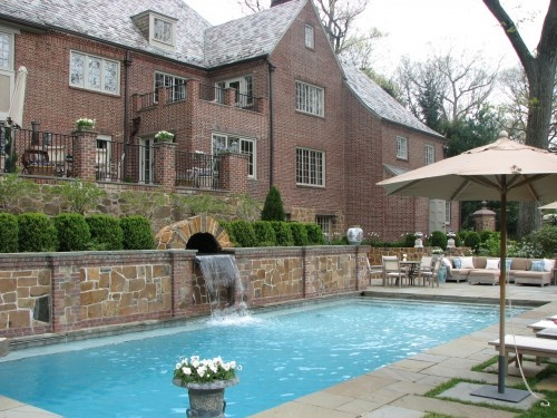Pool retaining wall landscape pinterest for Pool design retaining wall