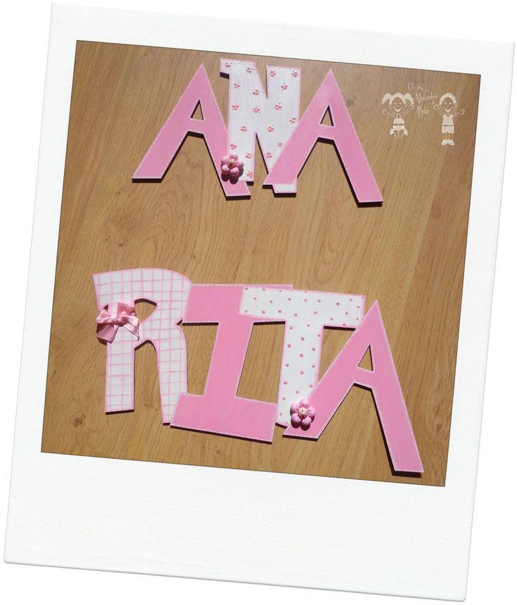 nome Ana Rita em MDF 3mm pintado à mão com aplicações flores em biscuit e laço cetim