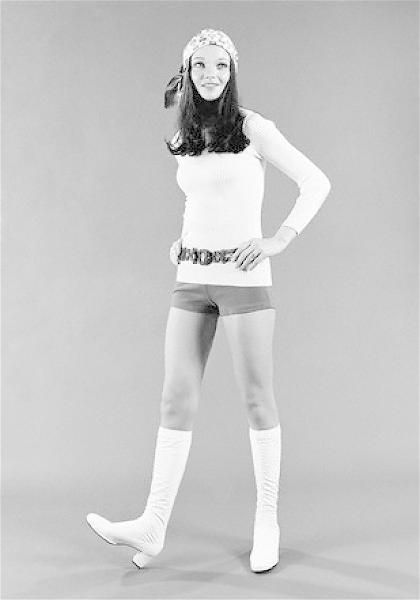 how did mary quant influence the 13 iconic shoes that changed america  the shoes represented the influence of beatnik styles on pop culture flats became the purview of the alternative youth culture, which prided itself on.