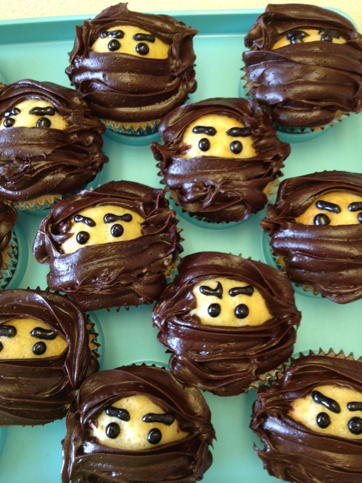 Ninja cupcakes: straightforward. Have to decide/figure out what is the base for the eyes underneath. Steady hand with frosting bag.