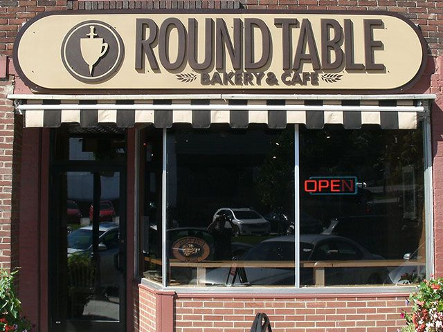 The Round Table Bakery & Cafe St. Albans, VT | Exterior ...