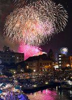関門海峡花火:直径450mの大輪の花、15号玉も - 毎日新聞
