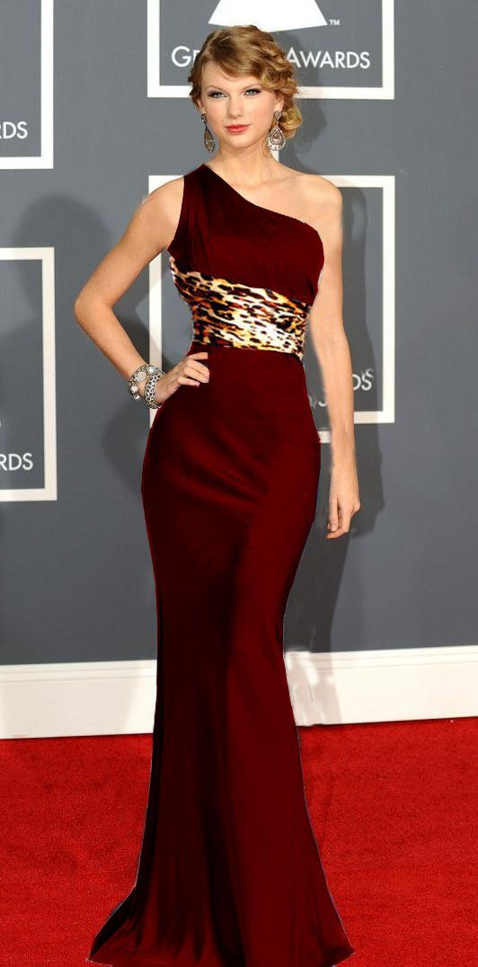 1000  images about Little Red Dress on Pinterest  Sexy Gowns and ...