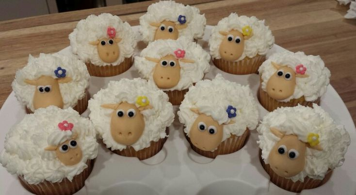 Cute little lamb cupcakes for Easter. Baaaaa...