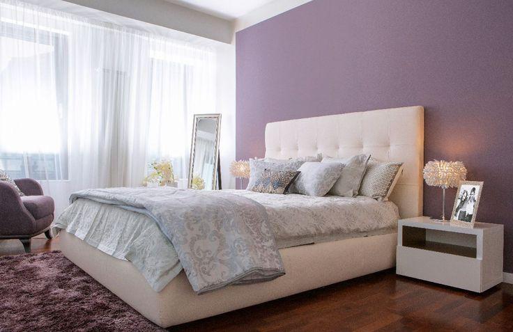 Mobilierul pentru dormitoare a fost ales cu mare grijă, scopul arhitectului și al designer-ului fiind acela de a crea un spațiu elegant și confortabil.