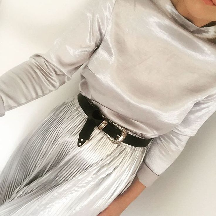 Silver on silver with H&M and ASOS for day four of LFW. Minimalist style with silky top and a pleated skirt.