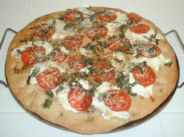fresh mozzarella and basil pizza. Kelli's rating: 4.5 stars!