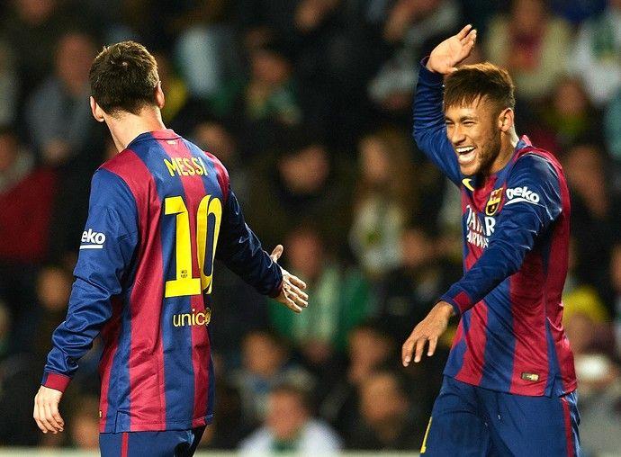 """Neymar e Messi Elche x Barcelona.   """"Consagrado"""" por Messi, Neymar faz elogios: """"Com ele tudo é simples""""(Foto: Manuel Queimadelos / Getty Images)"""