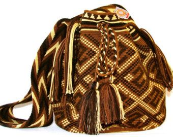 Large Wayuu mochila-bag with braided strap,1 strand handwoven in Colombia by the women of the wayuu tribe. www.nativostyle.com