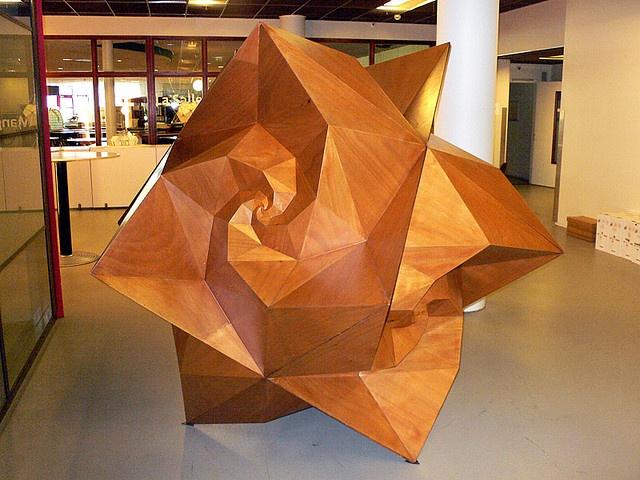 spidron sculpture - Dániel Erdély - Math Art