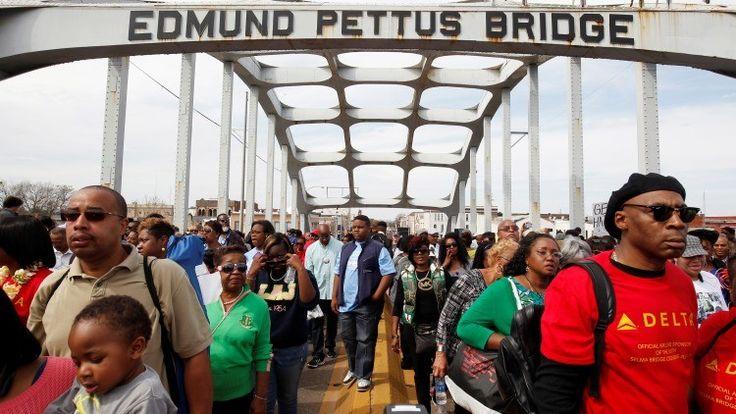 Cerca de 70.000 personas han participado en las conmemoraciones del 50.º aniversario de los hechos ocurridos el 7 de marzo de 1965 en Alabama, día conocido como el Domingo Sangriento, que marcaron un punto de inflexión en el movimiento por los derechos civiles en contra la discriminación racial en EE.UU.