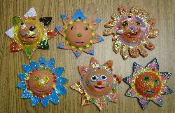 clay suns elementary art education ceramics lesson multi-cultural Mexican Mexico terracotta sun
