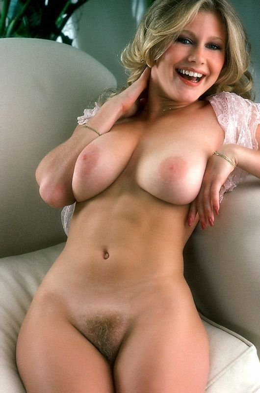 Natural blonde huge boobs hairy pussy galleries 499