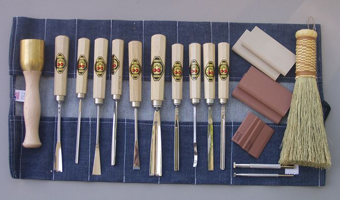 A guide to woodcarving tools! Pick your set and start carving!