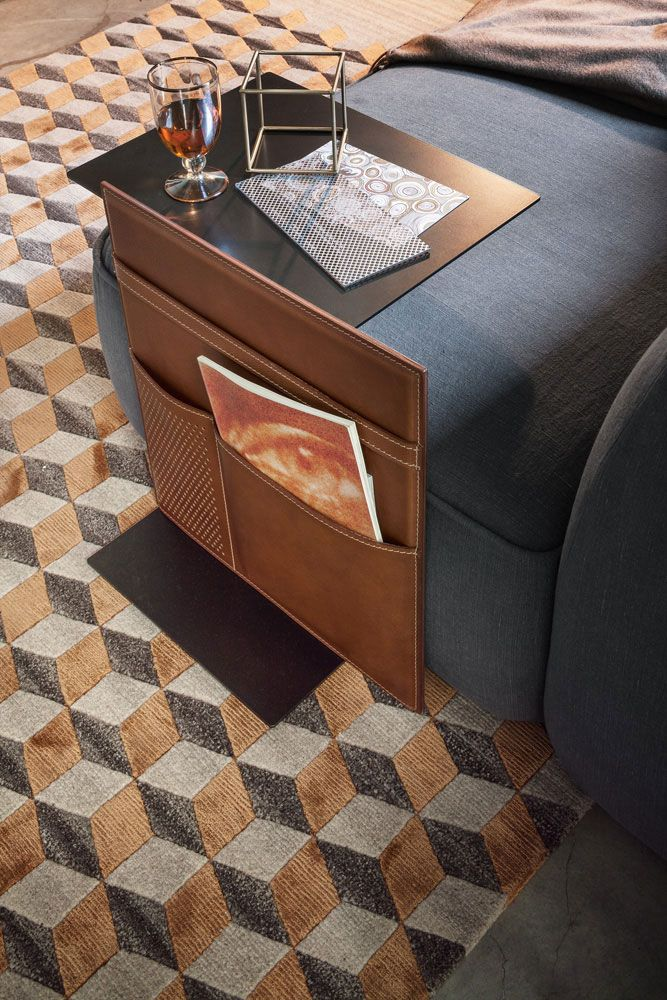 Side tables: Small Table Note by Lema