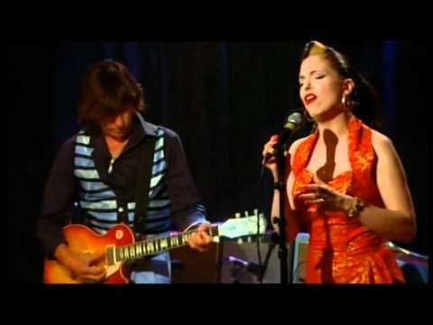 Jeff Beck and Imelda May do a beautiful job covering Les Paul and Mary Ford's 'Vaya Con Dios'.