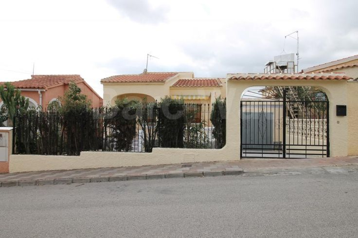 """Property ref: 4180 We are pleased to present this detached property, model, """"Lola"""" which is for sale on La Marina urb. Situated in a quiet yet central location this property is a short walk to the nearest two commercial areas. This property offers off road parking and a private garage.  The raised terrace is a good size and has a sun awning to create shade. The living room leads on to an independent, renovated kitchen, utility room,3 bedrooms with fitted wardrobes and a bathroom. Price…"""