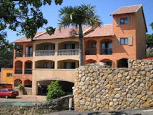 7 Crayfish Inn  - Crayfish Inn is located in Ramsgate Beach, in a secure apartment complex. The area is rich in culture and landscape creating a popular destination for holiday makers. This cosy bachelors apartment is ideal ... #weekendgetaways #margate #southafrica