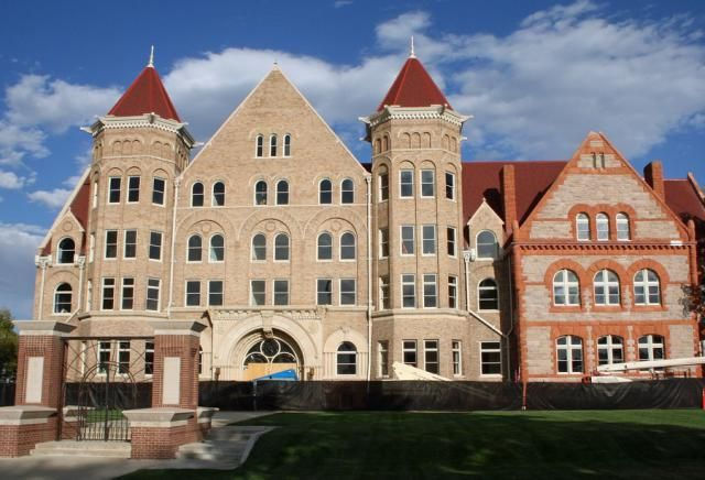 Test statistics, financial aid information, and enrollment data for Johnson & Wales University
