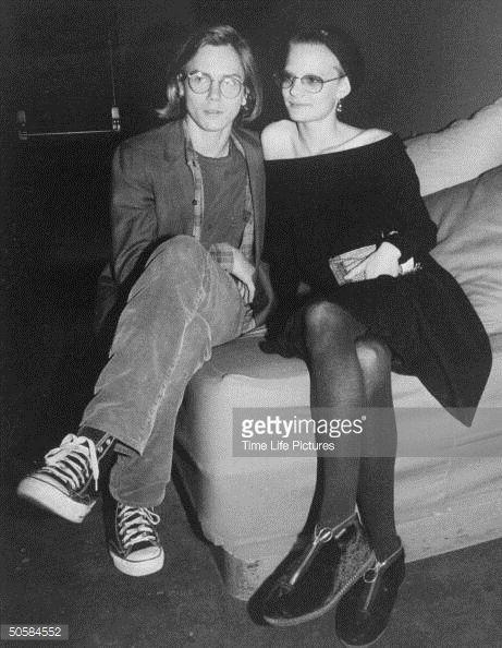 News Photo : Boyfriend and girlfriend, actors River Phoenix...