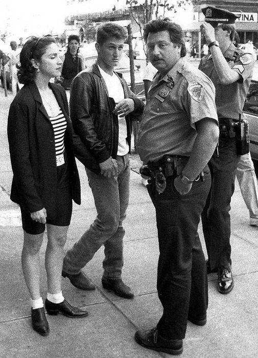 Шон Пенн и Мадонна с полицией