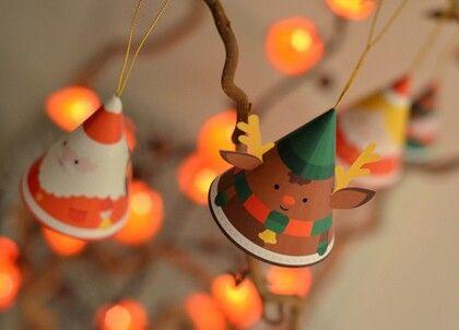 "DIY Papertoy Christmas Ornaments. Make a Reindeer, Mister and Miss Santa, Elf or an Angel. If you go to the site (its in Dutch but that doesn't matter) You CLICK on the 2 red words ""hier"" in the last line on the bottom. [Download>hierhier<de bouwplaat voor een engel.] http://m.vriendin.nl/crea-styling/zelf-maken/3679/maak-je-eigen-papertoy-kerstversiering  Happy Crafting :-*"
