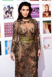 Скандал в высшем обществе: Ким Кардашьян надела свое самое голое платье на Vogue 100 Festival http://womenbox.net/fashion/skandal-v-vysshem-obshhestve-kim-kardashyan-nadela-svoe-samoe-goloe-plate-na-vogue-100-festival/  5 5 1 VOGUE 100 FESTIVAL: КИМ КАРДАШЬЯН В этом году британский Vogue празднует 100-летний юбилей. По этому поводу в Лондоне прошла фотовыставка Vogue 100: A Century of Style, которую