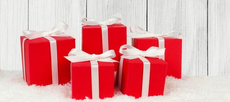 """Nella rubrica """"Vetrina di Natale"""" non potevano mancare le idee per un Rosso-Natale. Idee e spunti per le tue amiche e anche per te.."""