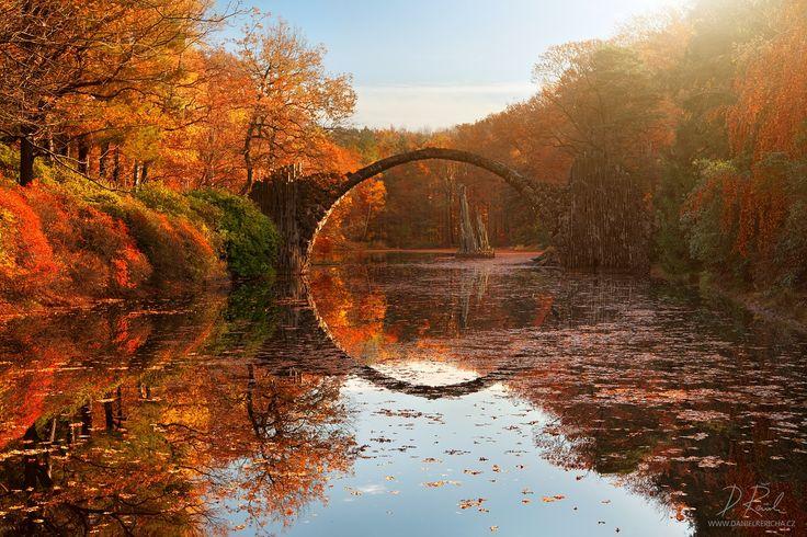35PHOTO - Daniel Rericha - Autumn lake