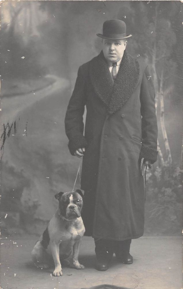 Belgium 1913, Man with dog and hat (topper),chien hund cane bulldog bouledogue