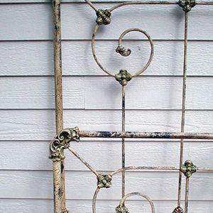 Frame Finishes | Vintage Frames | Cathouse Antique Iron Beds