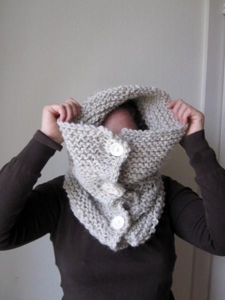 Col extra-grand tricoté-main en pure laine vierge bio et locale from Douces Laines !