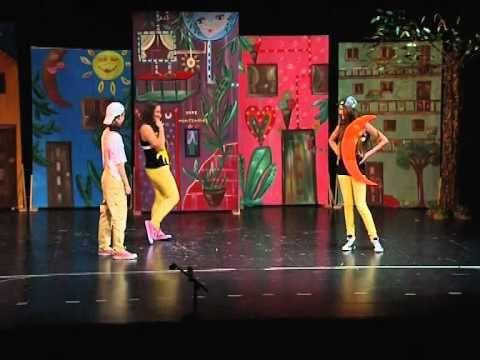 μια τρελή τρελή πολυκατοικία(ολόκληρη η παράσταση) - YouTube