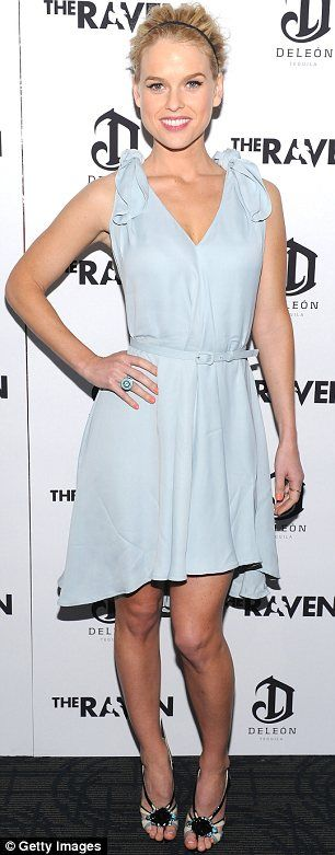 spring dress. Absolutely adore Alice Eve.