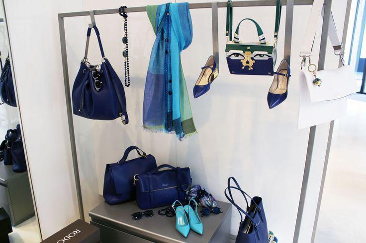 #blue corner! Riconoscete qualche #accessorio?  ---  #LeABoutique #Milano #moda #fashion #shopping #milano #donna #woman