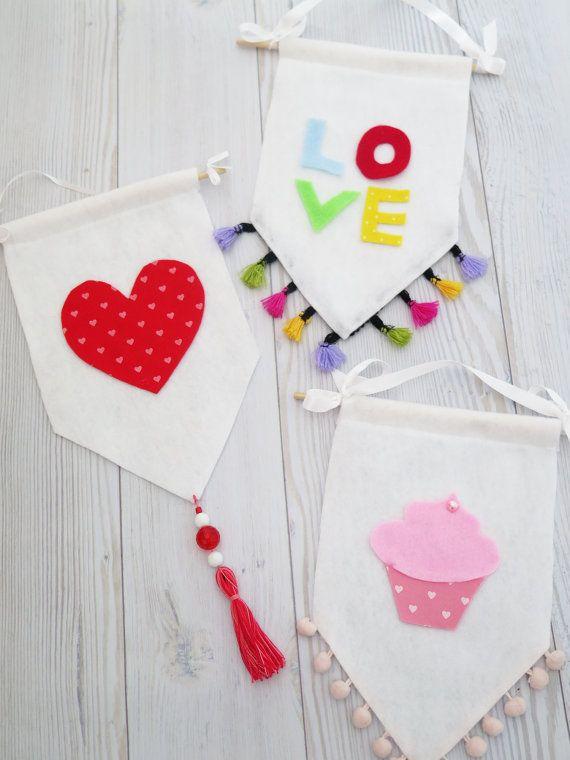 Bandera bandera fieltro amor regalo de San Valentín por SweetnCozy