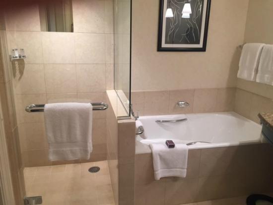 Oltre 25 fantastiche idee su bagno con doccia su pinterest docce da bagno doccia e docce - Costo vasche da bagno ...