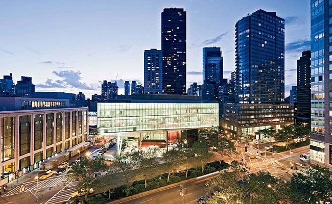 One day this will be my school #beatgirl #juilliard #piano #music #playing #dream #nyc #newyork
