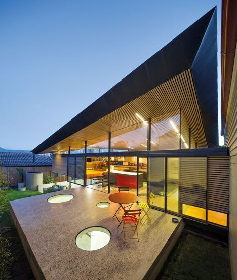 Roof Profile / Mullet House by March Studio