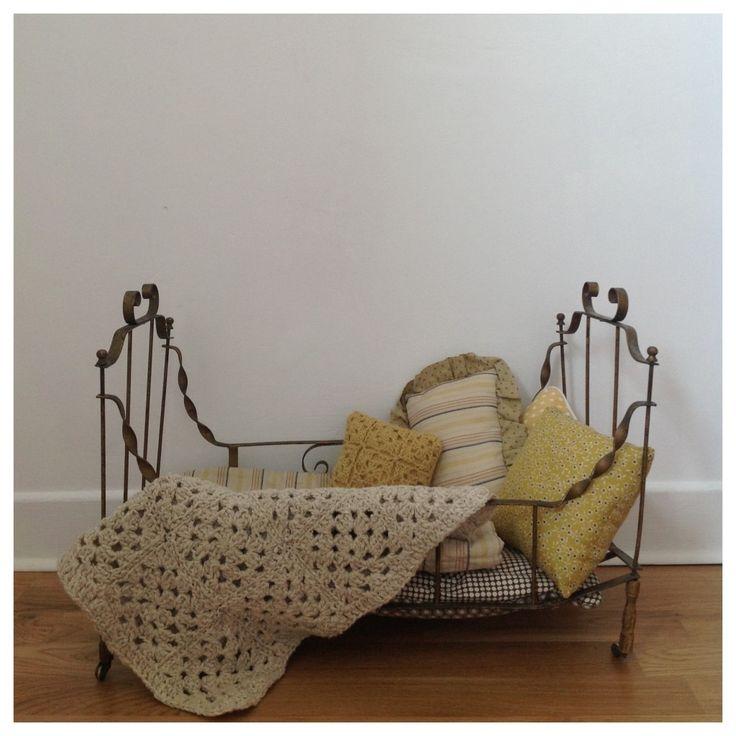 Adorable lit de poupée § Blog de La Poule.