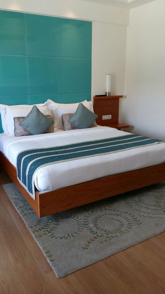 How to Make a Hotel Bed with