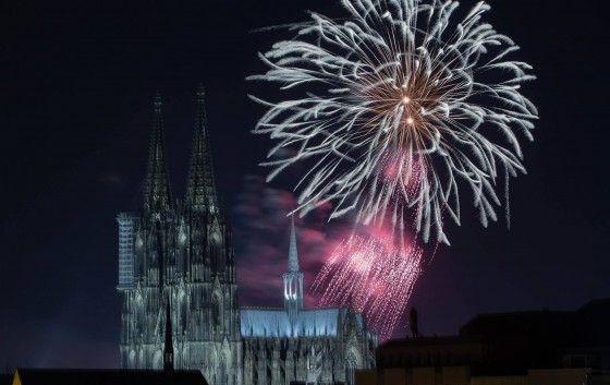 Silvester 2016 / 2017 in Köln – … ein Jahr danach: Die Bilanz des Jahreswechsels –… #Featured #Freizeit_Kultur #Stadtgespräch #2016 #2017