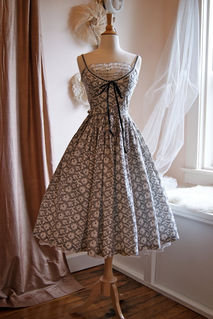 Ohmygosh I want this dress....Vintage 1950s Black and White Print Party Dress with Bodice Ruffle Size XS. $248.00