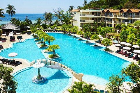 Thailand, Phuket, Tri Trang Beach: Yksi lapsiperheiden suosikeista Thaimaassa.  http://www.finnmatkat.fi/lomakohde/thaimaa/phuket/tri-trang-beach/merlin-beach-resort/?season=talvi-13-14 #Finnmatkat