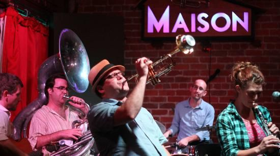 25 best ideas about live jazz on pinterest new orleans for Aurora maison de cuisine