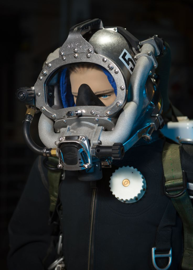 "Last month, the Office of Naval Research (ONR) released research for a prototype diving helmet. The helmet was developed to help improve a diver's ""rebreather"" helmet system, increasing the efficiency of a diver's breath when underwater while counteracting the toxic gasses emitted. #AmericasNavy #USNavy #Navy navy.com"