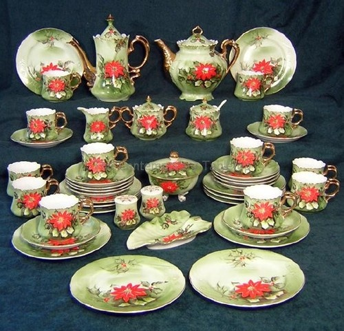 Lefton Poinsettia Dinnerware Set & 99 best Antique China images on Pinterest | Crystals Dish sets and ...