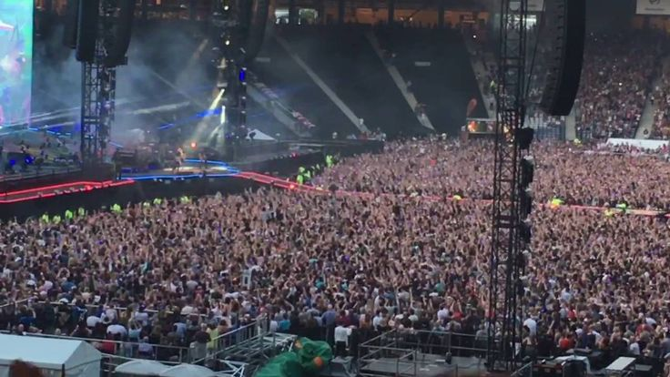 Coldplay live Charlie Brown hampden  Glasgow scotland 2016 HD